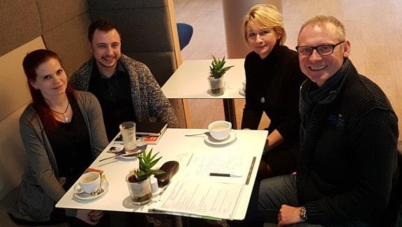 Adrian Maier und Juliane Kliem von MAWOSA mit Thomas Issler und Michaela Herrmann von 0711-Netz