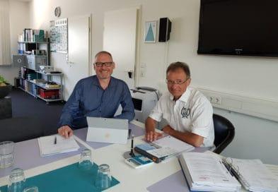 Herbert Lohberger und Thomas Issler bei der Besprechung des Website Relaunch