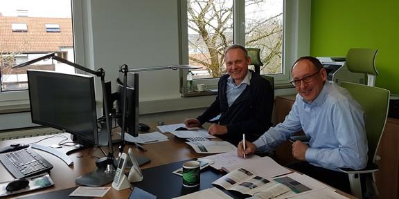 Stefan Warislohner und Thomas Issler bei der Besprechung der Internet-Erfolgsstrategie